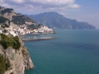 amalfi-overlooking-terrace